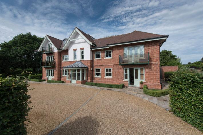 Sunningdale Apartments - External